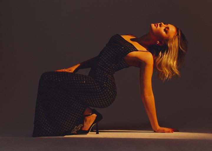 Zara Larsson revient avec PosterGirl